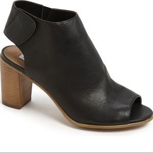 STEVE MADDEN Nonstp black leather booties size 6